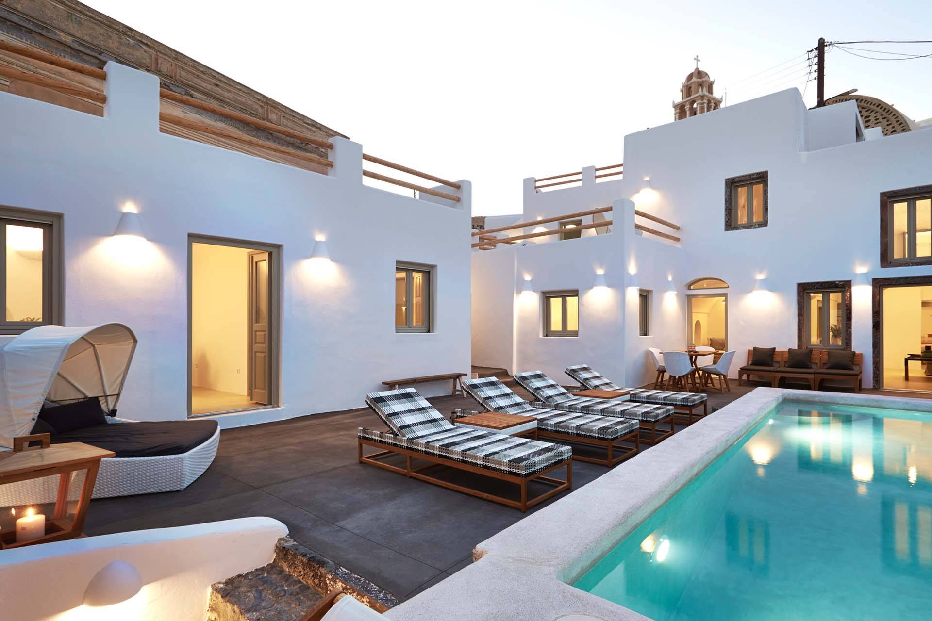 Santorini luxury villa Aemiliana in Messaria