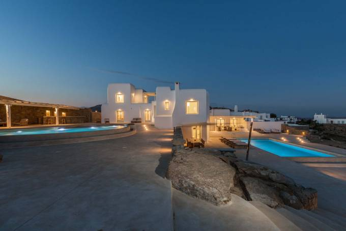 Mykonos luxury villa Rose in Tourlos