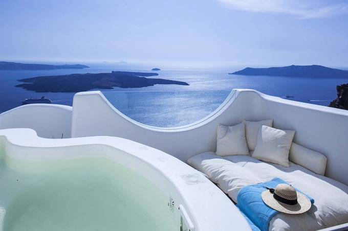 Santorini luxury villa Native Eco in Imerovigli