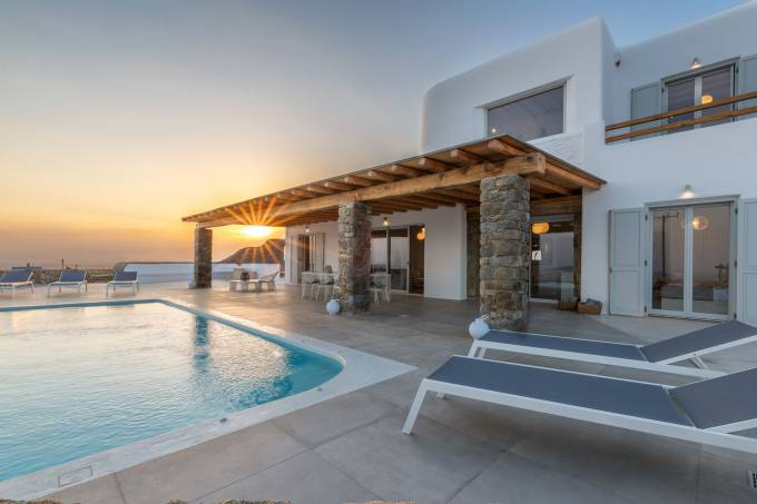 Mykonos luxury villa Melissa in Tourlos